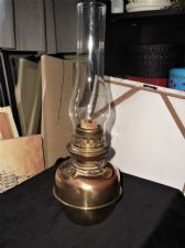 VINTAGE BRASS OIL LAMP WITH CLEAR CHIMNEY FUNNEL BELGE LAMPE PATENT 11285 1884